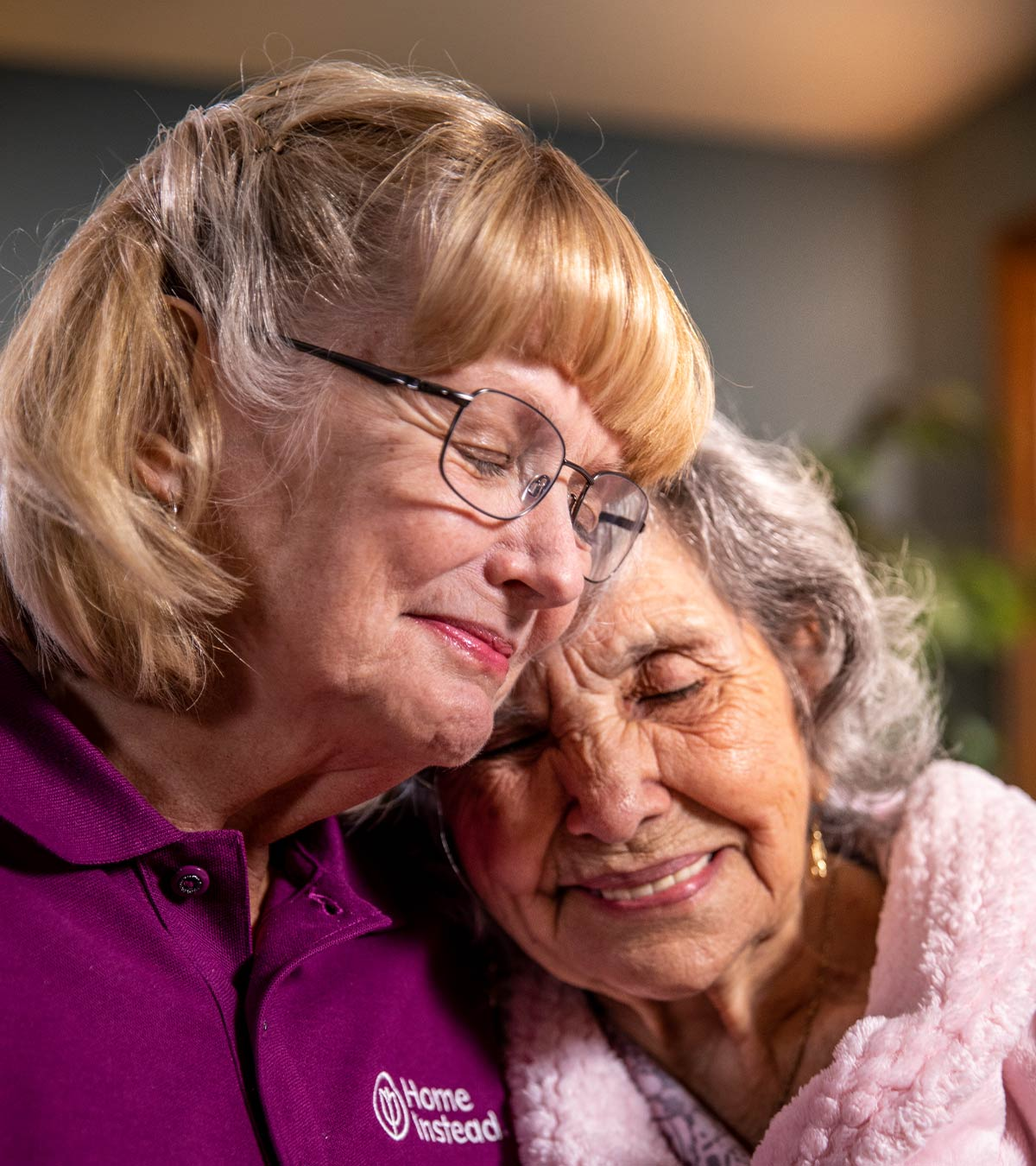 CAREGiver providing in-home senior care services. Home Instead of St. Augustine, FL provides Elder Care to aging adults.